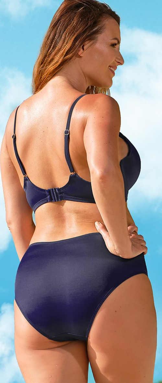 Niebieski dwuczęściowy kostium kąpielowy z systemem Tummy Control, który modeluje talię i brzuch.