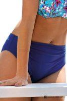 Wysokiej jakości figi kąpielowe w kolorze niebieskim